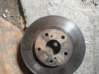 Тормозной диск Камри 30 2.4л за 6 000 тг. в Алматы