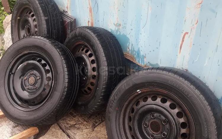 Шины с дисками за 50 000 тг. в Нур-Султан (Астана)