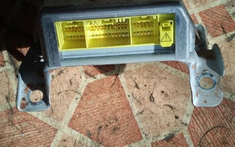 Блок управления компьютер ЭБУ подущек безопасности SRS SirBag на Тойота за 15 000 тг. в Алматы