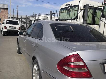 Mercedes-Benz E 200 2003 года за 3 350 000 тг. в Атырау – фото 5