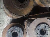 Тормозной диск за 3 000 тг. в Алматы