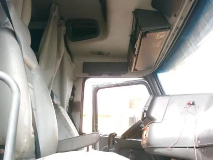 Volvo  VNL 2002 года в Караганда – фото 9