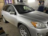 Toyota RAV 4 2011 года за 7 100 000 тг. в Уральск – фото 3