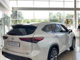 Toyota Highlander 2021 года за 35 499 990 тг. в Алматы – фото 2