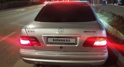 Mercedes-Benz E 320 1996 года за 2 350 000 тг. в Алматы – фото 3