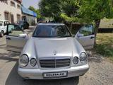 Mercedes-Benz E 230 1995 года за 2 100 000 тг. в Шымкент – фото 4