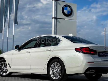BMW 520 2021 года за 25 200 000 тг. в Уральск – фото 7