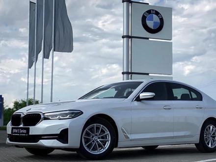 BMW 520 2021 года за 25 200 000 тг. в Уральск – фото 3