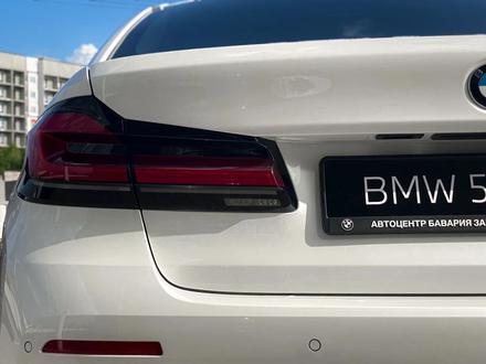 BMW 520 2021 года за 25 200 000 тг. в Уральск – фото 8