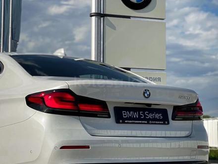 BMW 520 2021 года за 25 200 000 тг. в Уральск – фото 9