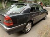 Mercedes-Benz C 220 1995 года за 2 600 000 тг. в Алматы – фото 3