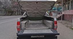Крышка багажника с дугой на хайлюкс дизель 2011-15гг за 400 000 тг. в Алматы – фото 5