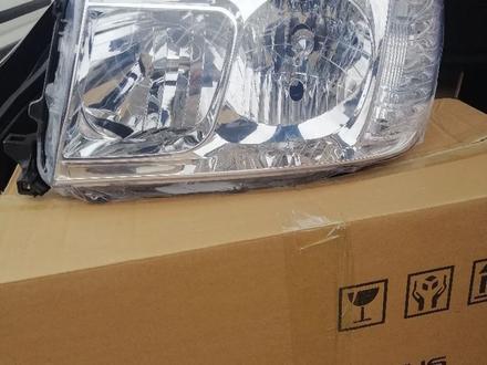 Фара фонарь тойота Ленд Крузер 100 за 22 000 тг. в Актау