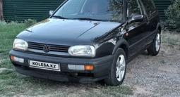 Volkswagen Golf 1993 года за 1 400 000 тг. в Алматы