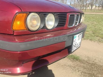 BMW 525 1993 года за 1 350 000 тг. в Караганда – фото 2