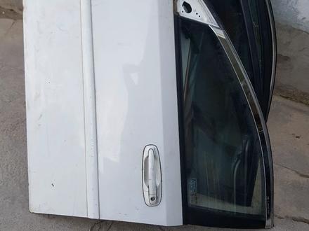 Задние двери на Hyundai Accent (Хэдчбек) за 80 000 тг. в Шымкент