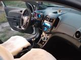 Chevrolet Aveo 2014 года за 3 150 000 тг. в Караганда – фото 4