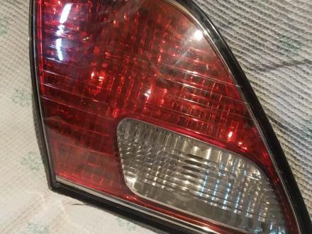 Задний левый фонарь Lexus ES за 5 000 тг. в Алматы