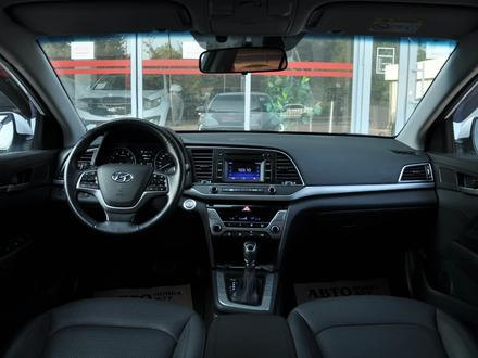 Hyundai Elantra 2018 года за 9 050 000 тг. в Шымкент – фото 10