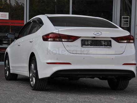 Hyundai Elantra 2018 года за 9 050 000 тг. в Шымкент – фото 3
