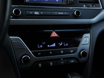 Hyundai Elantra 2018 года за 9 050 000 тг. в Шымкент – фото 8