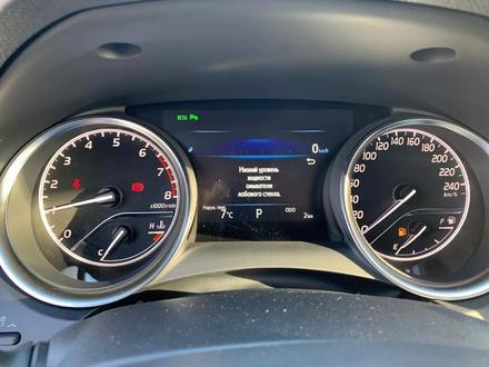 Toyota Camry 2020 года за 14 050 000 тг. в Алматы – фото 16