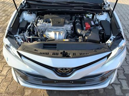 Toyota Camry 2020 года за 14 050 000 тг. в Алматы – фото 18