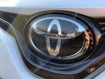 Toyota Camry 2020 года за 14 050 000 тг. в Алматы – фото 20