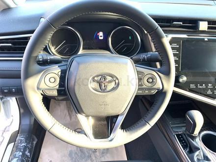 Toyota Camry 2020 года за 14 050 000 тг. в Алматы – фото 32