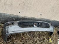 Бампер передний оргинал состояние хорошо за 111 111 тг. в Алматы