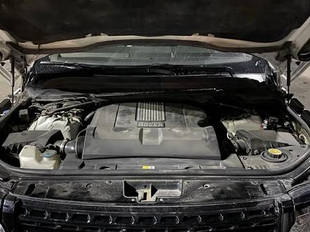 Land Rover Range Rover 2014 года за 24 000 000 тг. в Алматы – фото 9