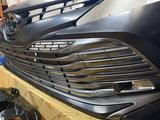 Решетка в бампер toyota camry 70 за 80 000 тг. в Семей