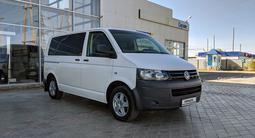 Volkswagen Caravelle 2013 года за 7 500 000 тг. в Атырау – фото 2