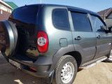Chevrolet Niva 2011 года за 2 000 000 тг. в Актобе – фото 4