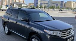 Toyota Highlander 2012 года за 11 500 000 тг. в Актау