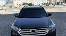 Toyota Highlander 2012 года за 11 500 000 тг. в Актау – фото 2