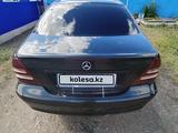 Mercedes-Benz C 200 2001 года за 2 000 000 тг. в Петропавловск – фото 3