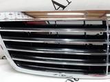 Решетка капота на Mercedes-Benz w220 S за 30 505 тг. в Владивосток – фото 2