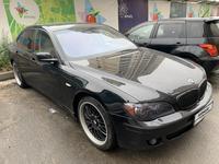 BMW 750 2006 года за 5 500 000 тг. в Алматы