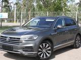Volkswagen Touareg 2018 года за 27 500 000 тг. в Костанай – фото 3