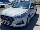 Hyundai Sonata 2019 года за 8 900 000 тг. в Нур-Султан (Астана) – фото 2