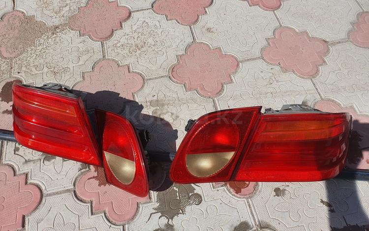Задние фонари на мерседес W210 за 25 000 тг. в Алматы