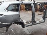 Правая боковая часть кузова на мицубиси оутландер 2014г за 555 тг. в Алматы