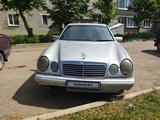 Mercedes-Benz E 200 1998 года за 2 500 000 тг. в Усть-Каменогорск