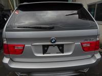 Дверь багажника BMW x5 e53 за 777 тг. в Усть-Каменогорск