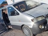 Hyundai Starex 2003 года за 2 200 000 тг. в Шымкент – фото 3