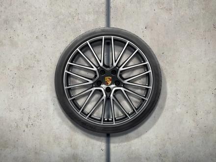 Комплект оригинальных колес Porsche R21 за 2 150 000 тг. в Алматы