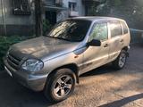 Chevrolet Niva 2006 года за 1 700 000 тг. в Алматы – фото 2