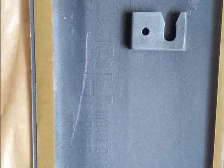 Молдинг двери передней правой. Оригинал за 20 000 тг. в Алматы – фото 4