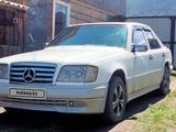 Mercedes-Benz E 200 1993 года за 2 150 000 тг. в Усть-Каменогорск